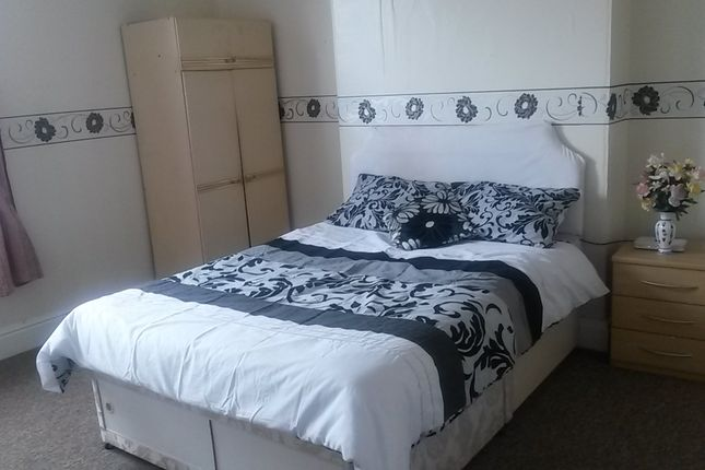 Room to rent in Edward Street, West Bromwich