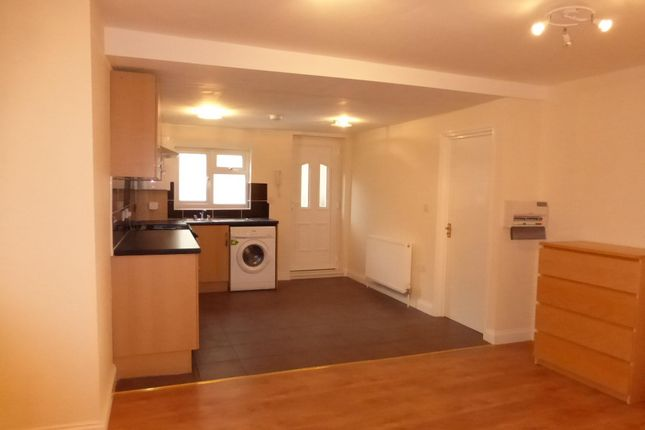 Thumbnail Flat to rent in Oxford Road, Exeter