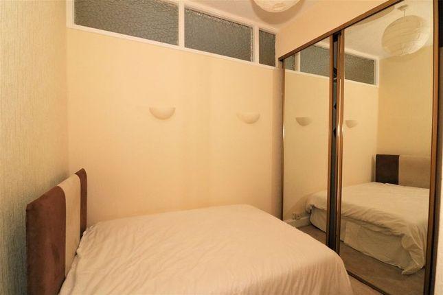 Bedroom of Maxwellton Street, Paisley PA1