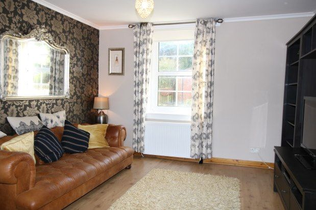 2 bed flat to rent in Whitehurst, Bearsden, Glasgow G61