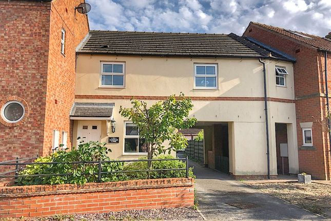3 bed town house for sale in Chaucer Lane, Strensall, York YO32