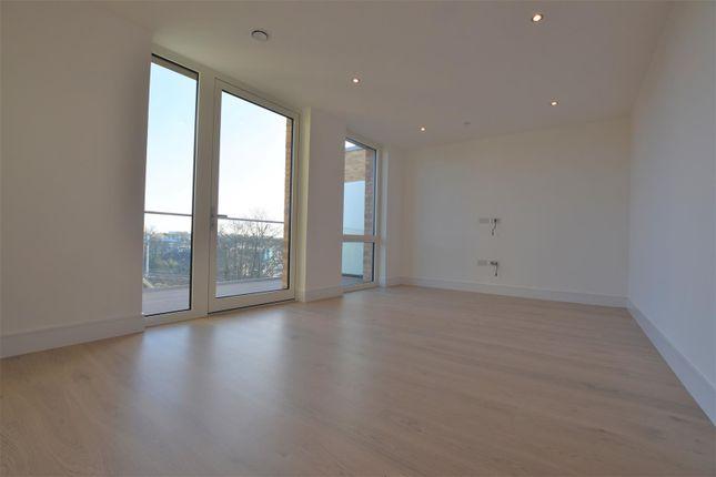 Thumbnail Flat to rent in Garnet Place, Yiewsley, West Drayton