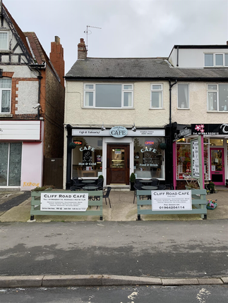Thumbnail Restaurant/cafe for sale in Cliff Road, Hornsea