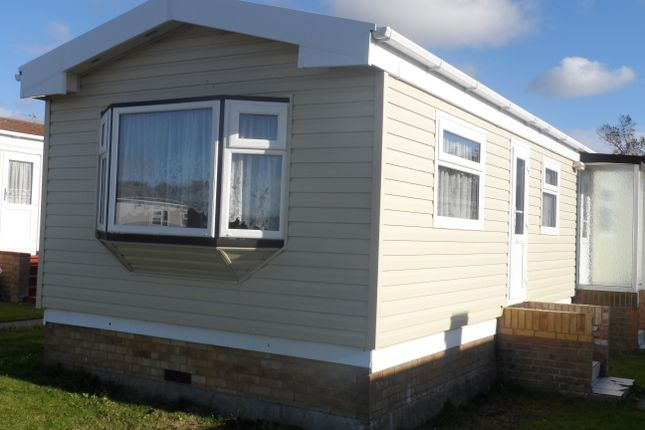 Thumbnail Mobile/park home for sale in St Osyth Road East, Little Clacton