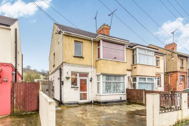 Thumbnail Semi-detached house for sale in Dallow Road, Luton, Bedfordshire