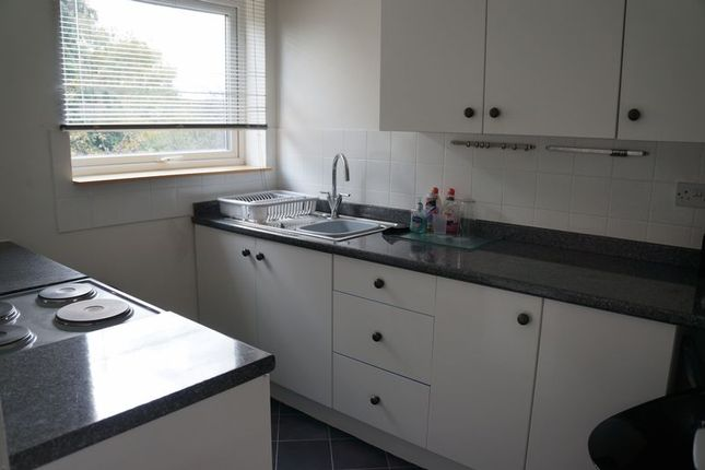 Thumbnail Flat to rent in Squirrel Close, Quedgeley, Gloucester