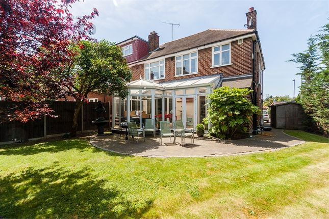 4 bed semi-detached house to rent in Lynwood Road, London