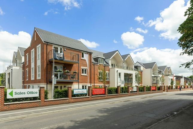 Thumbnail Property for sale in Reading Road, Henley-On-Thames