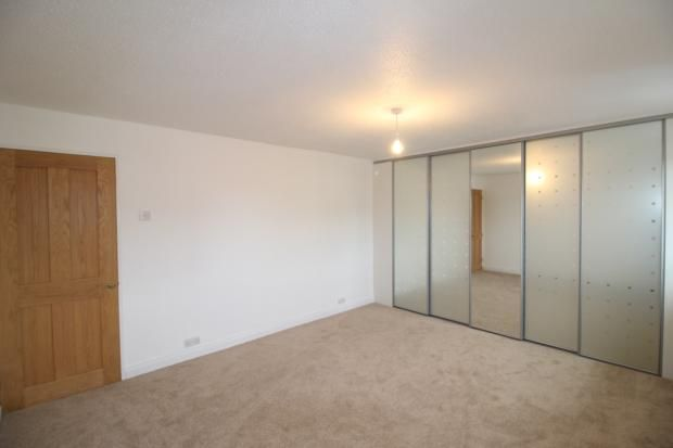 Bedroom 1 of Dingle Road, Rushden NN10