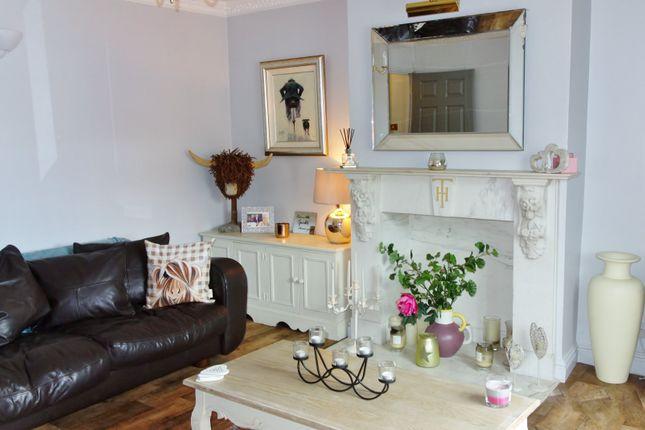 Thumbnail Maisonette to rent in Liston Road, Marlow, Buckinghamshire