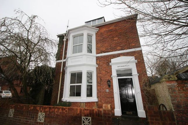 Thumbnail Detached house to rent in Wesley Street, Swindon