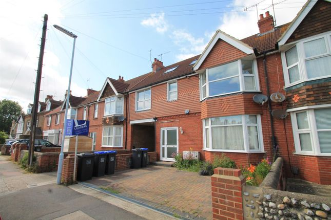Thumbnail Flat to rent in Thurlow Road, Broadwater, Worthing