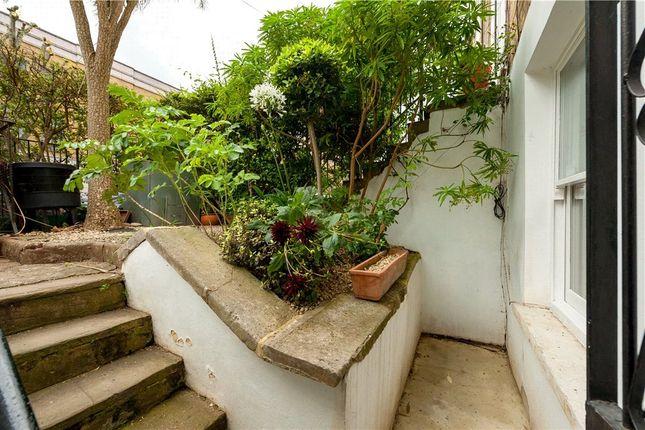 Picture No. 05 of Cephas Avenue, Stepney Green, London E1