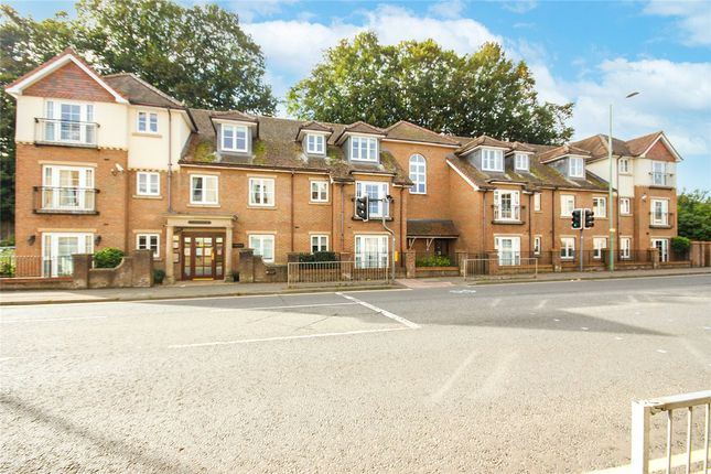 2 bed flat for sale in High Street, Berkhamsted HP4