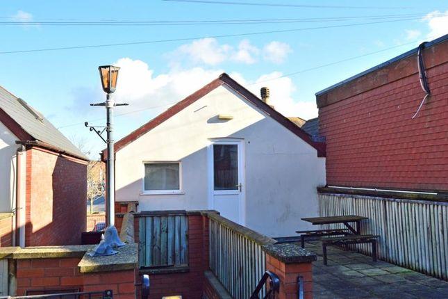 Thumbnail Flat to rent in The Old Flour Loft, Blackhorse Lane, Taunton, Somerset