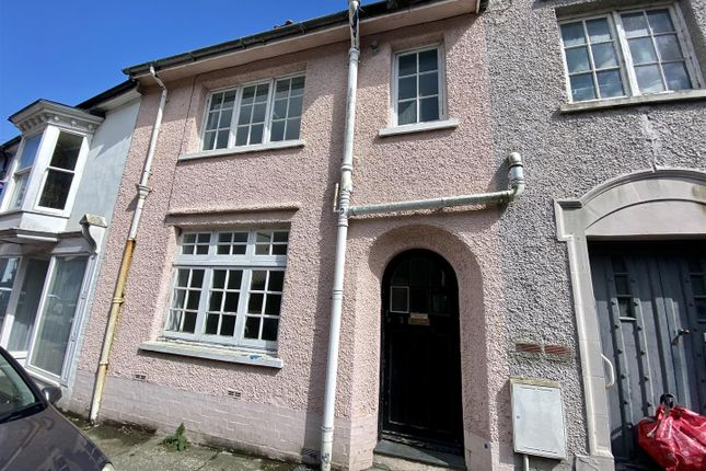2 bed terraced house to rent in Main Street, Goodwick SA64