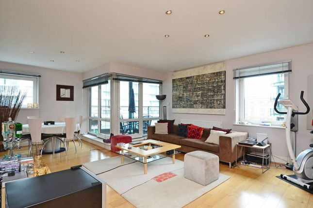 2 bed flat for sale in Warwick Road, Kensington