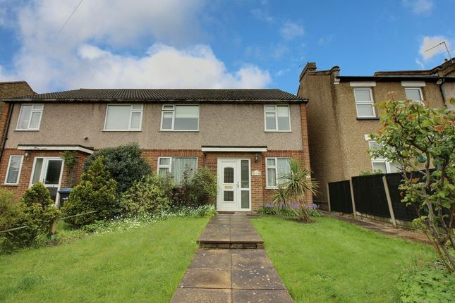 Thumbnail Maisonette for sale in Gordon Hill, Enfield