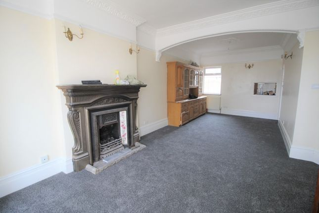 Thumbnail Semi-detached house to rent in Dormers Wells Lane, Southall, Middlesex