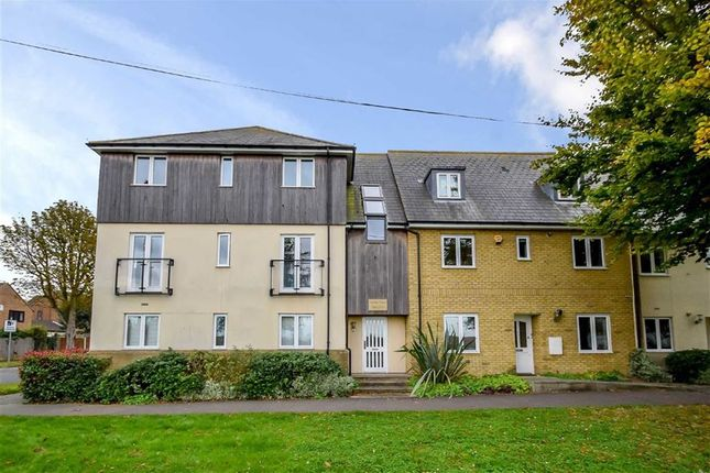 Thumbnail Flat for sale in Prince Avenue, Westcliff-On-Sea, Essex