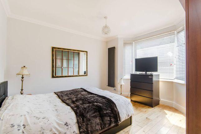 Thumbnail Flat to rent in Drayton Bridge Road, Ealing