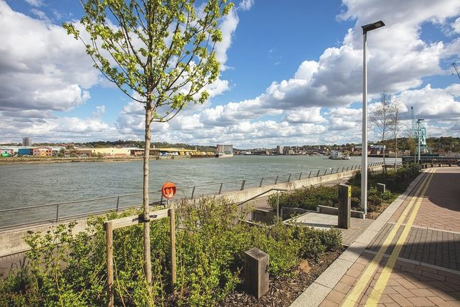 Thumbnail Flat for sale in Cory's Keep, Rochester Riverside