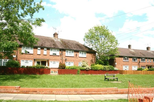 Thumbnail Maisonette to rent in Hawthorn Avenue, Brentwood