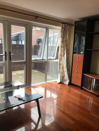 Thumbnail Terraced house to rent in Baldwins Gardens, London