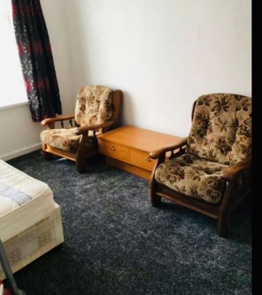 Thumbnail Studio to rent in Pears Road, Hounslow