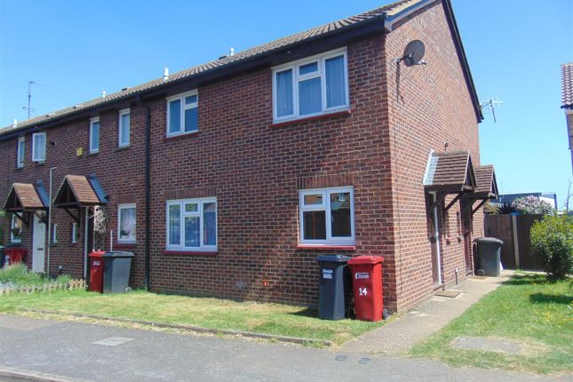 Semi-detached house to rent in Egremont Gardens, Cippenham, Slough