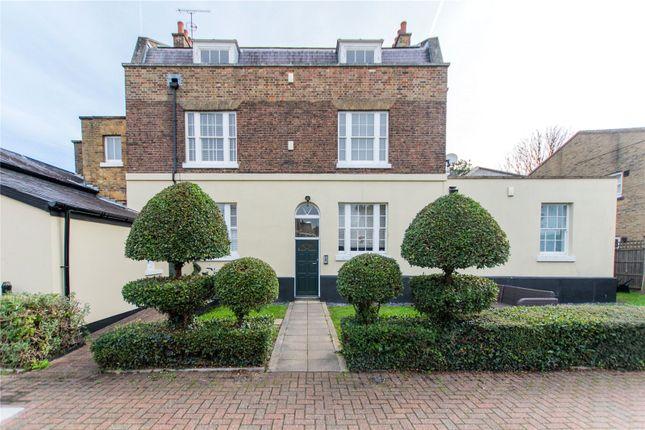 3 bed flat for sale in Powdermill Lane, Waltham Abbey, Essex EN9