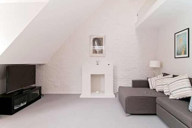 Thumbnail Flat to rent in Ladbroke Gardens, Notting Hill