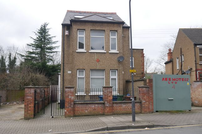 Thumbnail Flat to rent in Montrose Road, Wealdstone