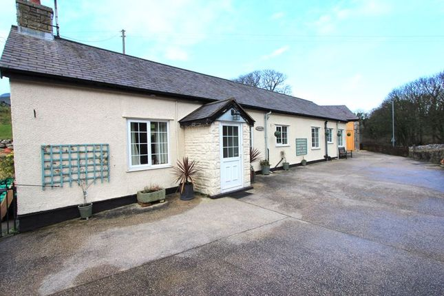 Thumbnail Cottage for sale in Colwyn Road, Llandudno