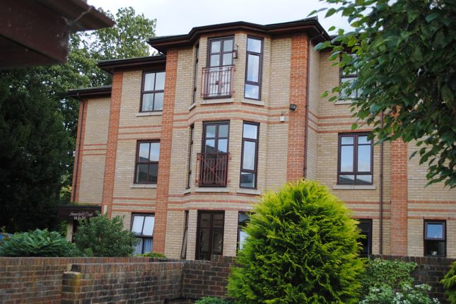 Thumbnail Flat for sale in 25 Gainsborough, Thamesfield Village, Henley-On-Thames, Oxfordshire