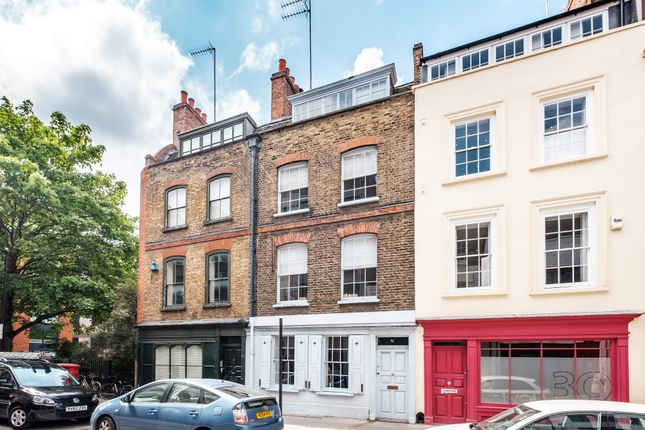1 (24) of Britton Street, Clerkenwell EC1M