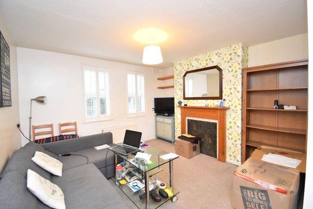 Thumbnail Flat to rent in Alder Court, 411 Long Lane, London