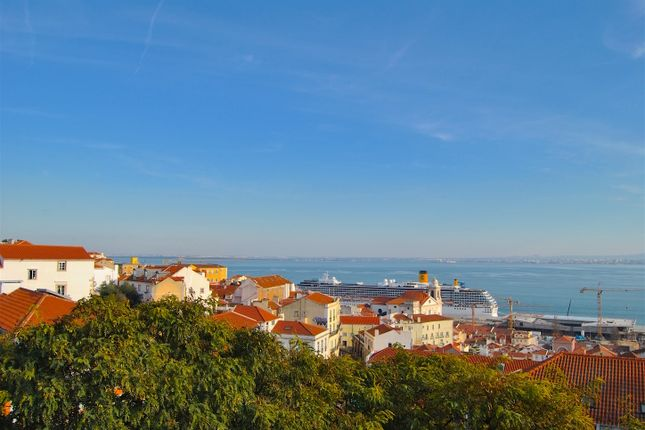Thumbnail Apartment for sale in Castelo, Santa Maria Maior, Lisbon City, Lisbon Province, Portugal