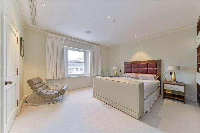 Bedroom of Upper Phillimore Gardens, Kensington, London W8