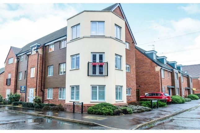 Thumbnail Flat for sale in Fieldfare, Leighton Buzzard, Beds, Bedfordshire