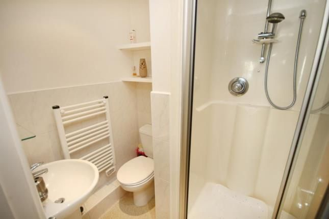 Ensuite of Royal Plaza, 2 Westfield Terrace, Sheffield, South Yorkshire S1