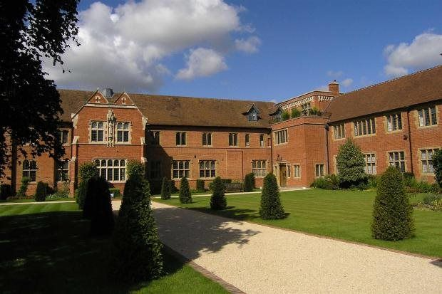 Thumbnail Flat to rent in Abbey Gardens, Upper Woolhampton, Reading