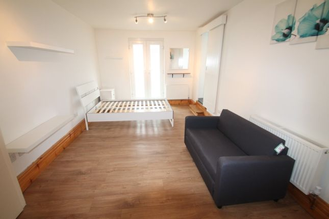 Studio to rent in Leckwith Road, Canton, Cardiff CF11