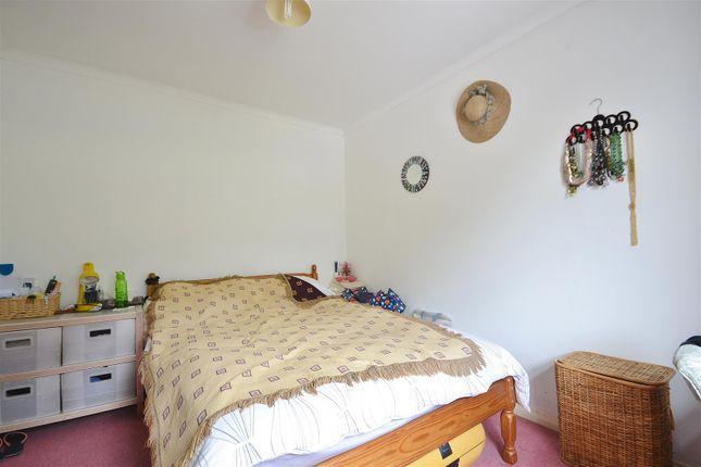 Bedroom 1 of Bro Myrddin, Carmarthen SA31