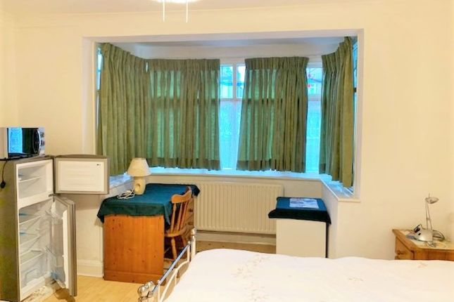 Thumbnail Room to rent in North Wembley, Middlesex