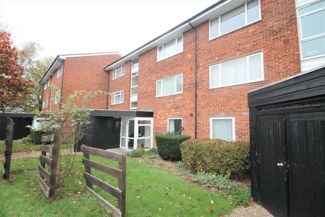 Thumbnail Flat to rent in Dyke Drive, Orpington
