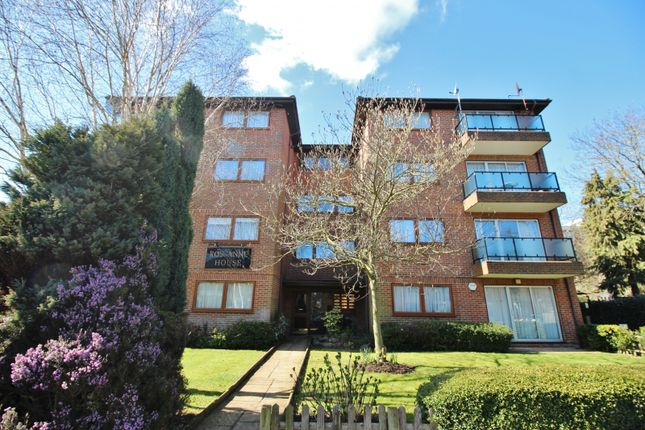 Thumbnail Flat to rent in Etchingham Park Road, London