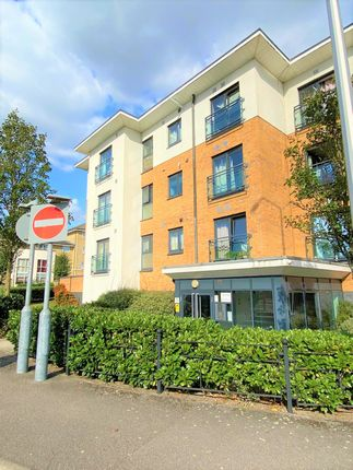 2 bed flat to rent in Seally Road, Grays RM17