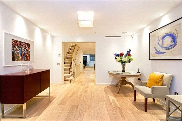 Thumbnail Terraced house to rent in Star Yard, Holborn