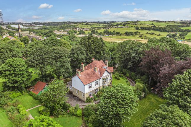 Thumbnail Detached house for sale in Bradford Road, Cleckheaton